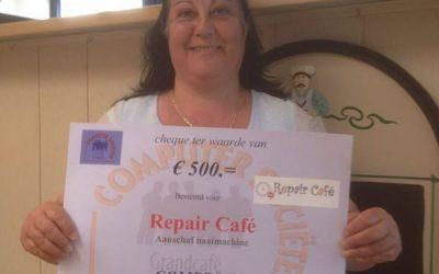 Cheque voor Repair Café Schoorl van Compsoos